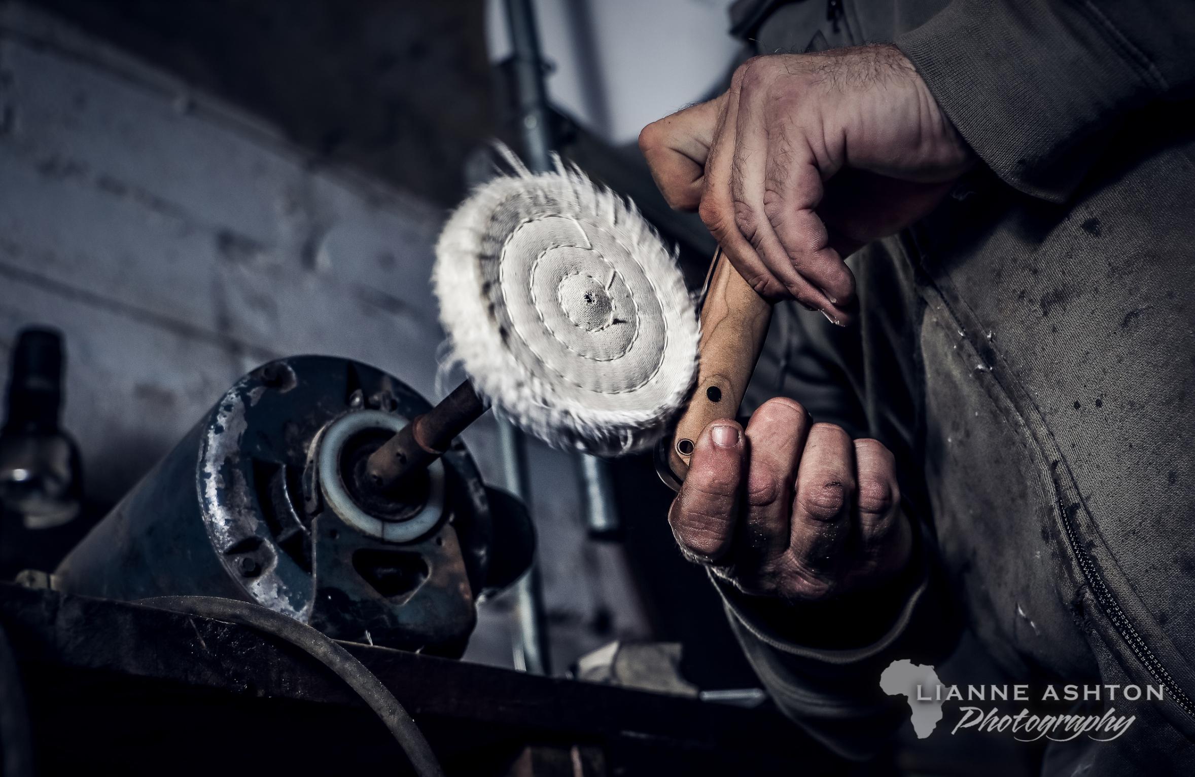 Bladesmithing in Dargle