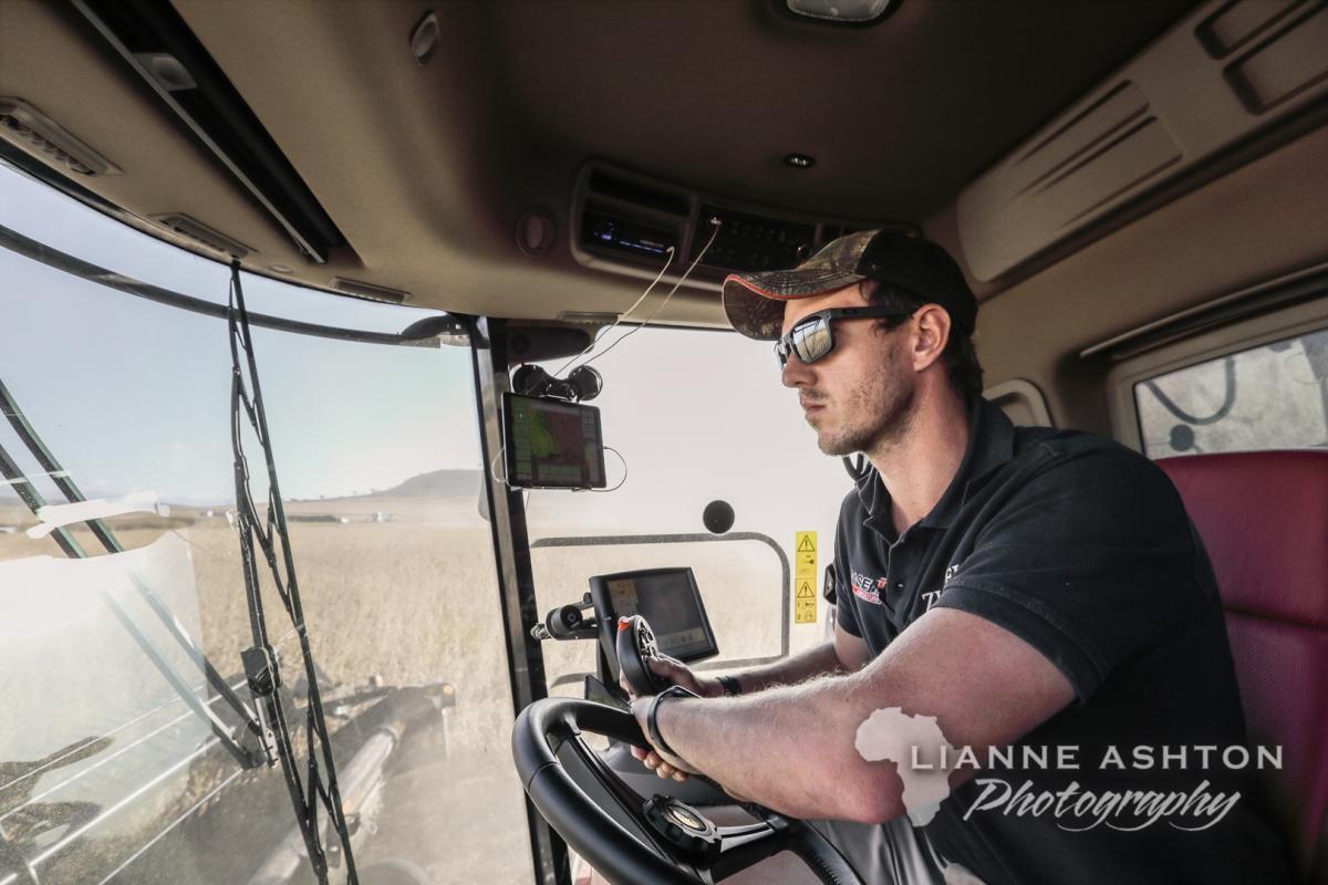 Gallery: Zunckel Soybean harvest in Bergville for PannarSeed